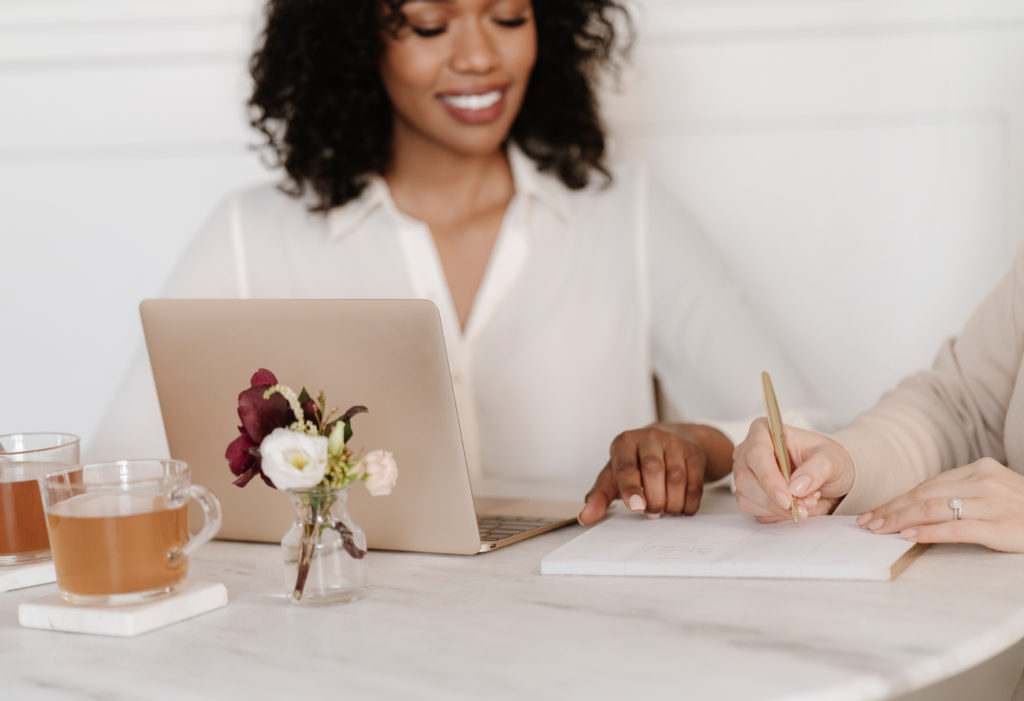 Etiquette Tips for VAs Contacting Potential New Clients by Emily Reagan PR