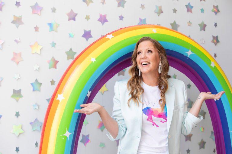 Emily Reagan - Teaching Virtual Assistants to Work Jobs Online as Unicorn VAs