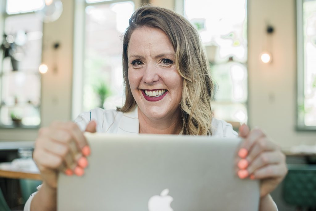 Working From Home as a Virtual Assistant - Work as a Unicorn VA with Emily Reagan PR